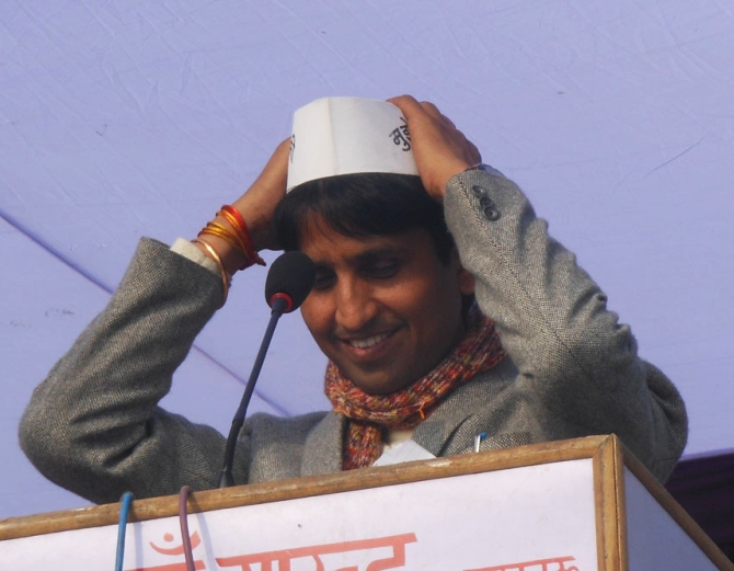 AAP leader Kumar Vishwas is likely to contest Lok Sabha polls from Amethi