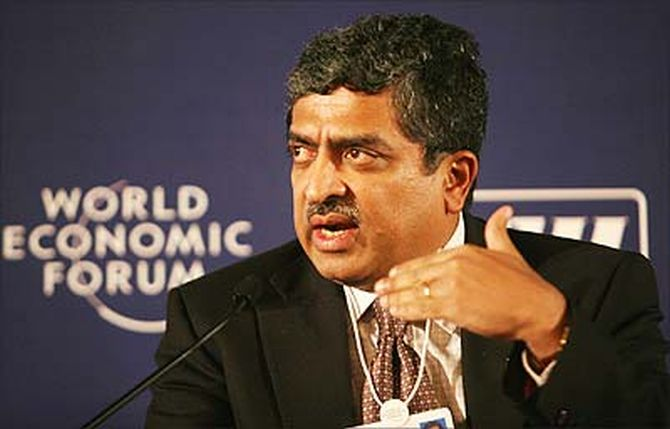 Nilekani will try to woo the same crowd which all these days have been strongly rooting for Narendra Modi.