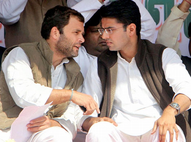 Congress Vice President Rahul Gandhi talks with Sachin Pilot, Minister of Corporate Affairs and the President of Rajasthan Pradesh Congress Committee