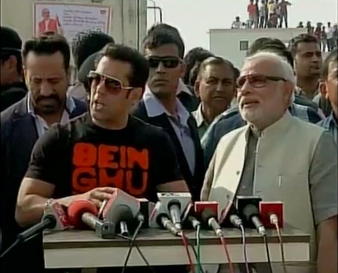 Salman Khan addressing mediapersons alongside Narendra Modi on Tuesday