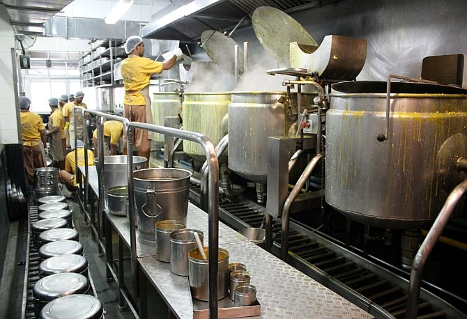 An overview of IFRF's Tardeo kitchen. On the right are four cooking vessels.