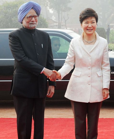 Manmohan Singh with South Korean President Park Geun-Hye
