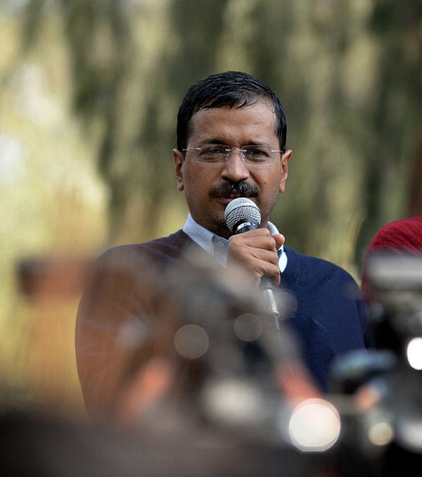 'Anarchist' Kejriwal sits on dharna, will clear files from there
