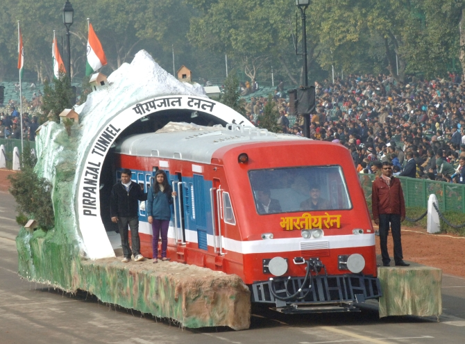 The tableau of Ministry of Railways arrives during the parade