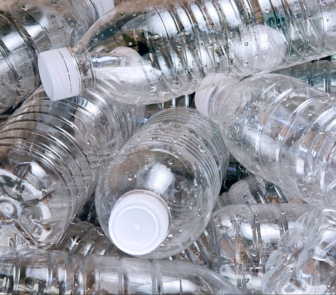 Indian scientists turn plastic into car fuel