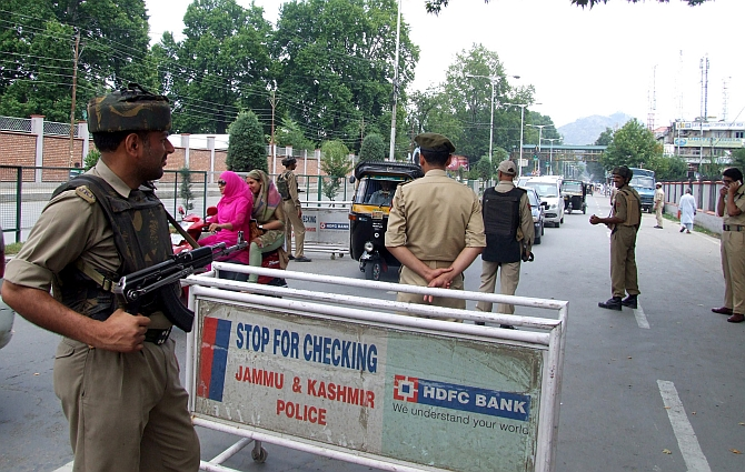 Security is beefed up in Srinagar ahead of Modi's visit