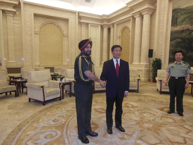 Chinese Vice President Li Yuanchao receives Army Chief General Bikram Singh