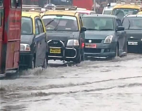Waterlogging slowed down traffic in the city