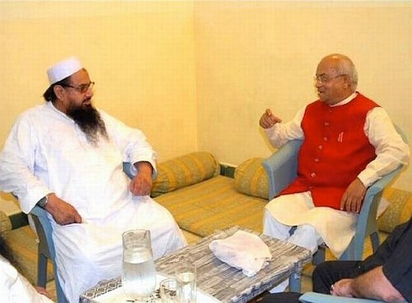 Journalist Ved Pratap Vaidik in a meeting with 26/11 mastermind Hafiz Saeed
