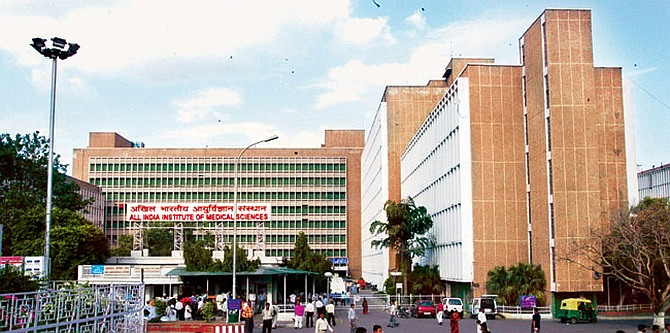 9 patients die daily at India's top government hospital