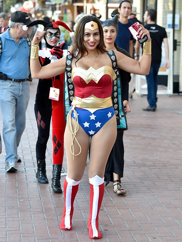 India News - Latest World & Political News - Current News Headlines in India - PHOTOS: Superheroes swoop into San Diego!