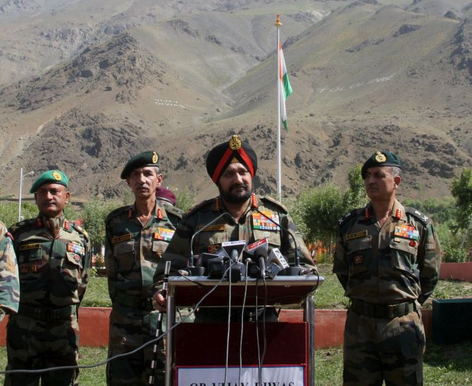 General Bikram Singh addresses the media on the occasion and thanks them for their patriotic fervour.