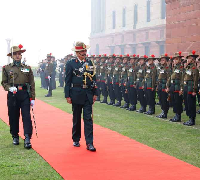 Lt Gen Dalbir Singh Suhag inspecting a guard of honour