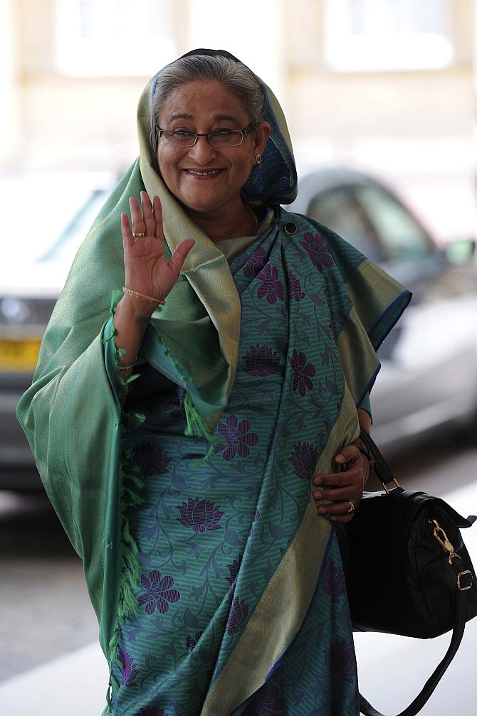 Sheikh Hasina, Prime Minister of Bangladesh, arrives at Buckingham Palace in London