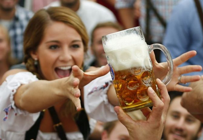 US beer festival makes 'nudity' mandatory