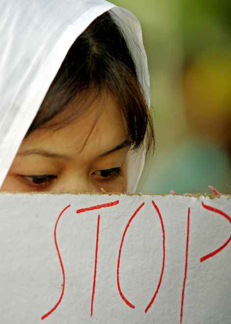 A Manipuri girl protests against crimes against women in New Delhi