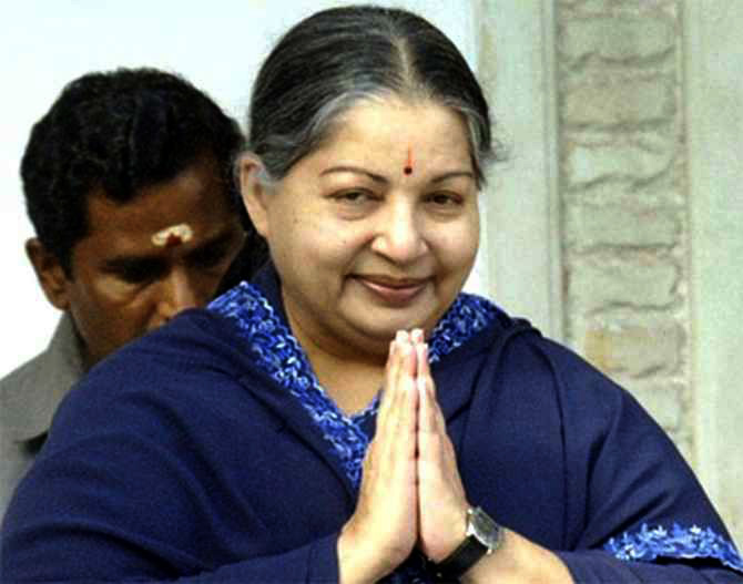 Jayalalithaa sees red over Hindi directive