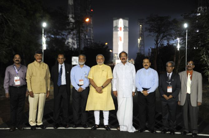 PM Narendra Modi along with other ministers and members of ISRO at the launch pad.