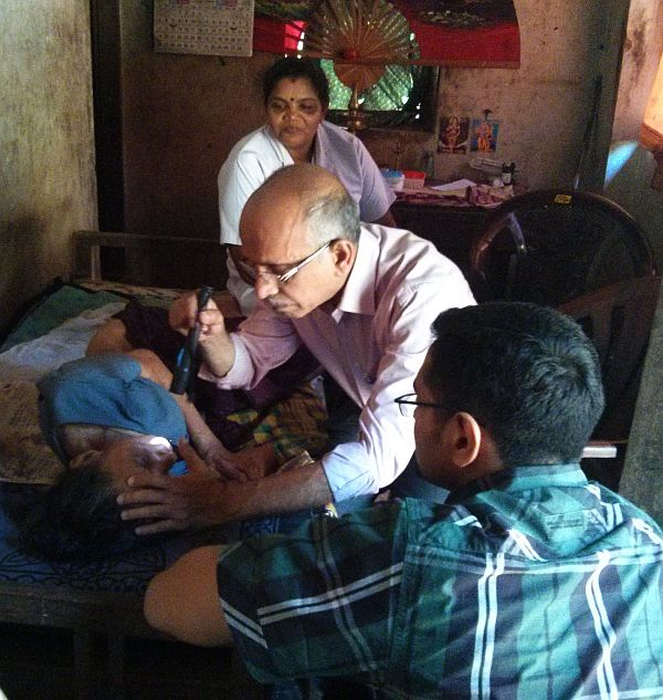 Dr M R Rajagopal attends to a terminally ill patient.