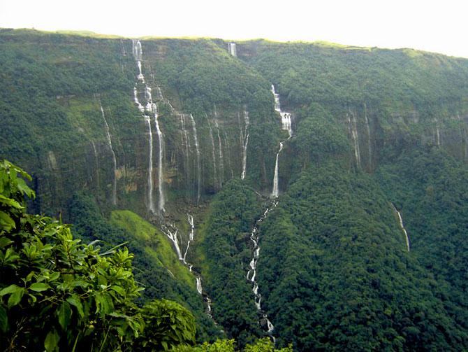 Nohsngithiang waterfalls, near Cherrapunjee.