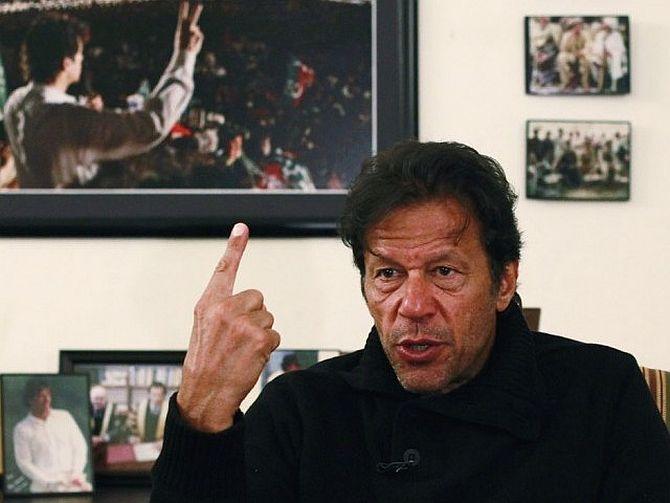 Imran went after Nawaz, Kejriwal after Modi
