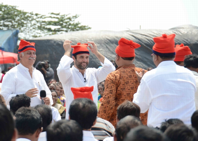 Rahul Gandhi at a meeting with Koli fishermen in Mumbai. Photograph: Sahil Salvi