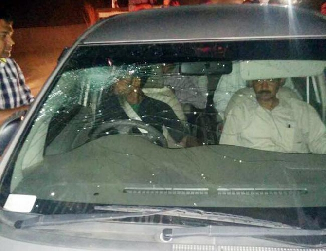 Kejriwal's car was attacked allegedly by BJP supporters in Gujarat