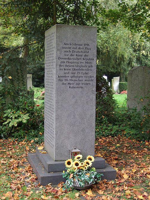 Memorial for the victims of Birgenair Flight 301 in Frankfurt's main cemetery