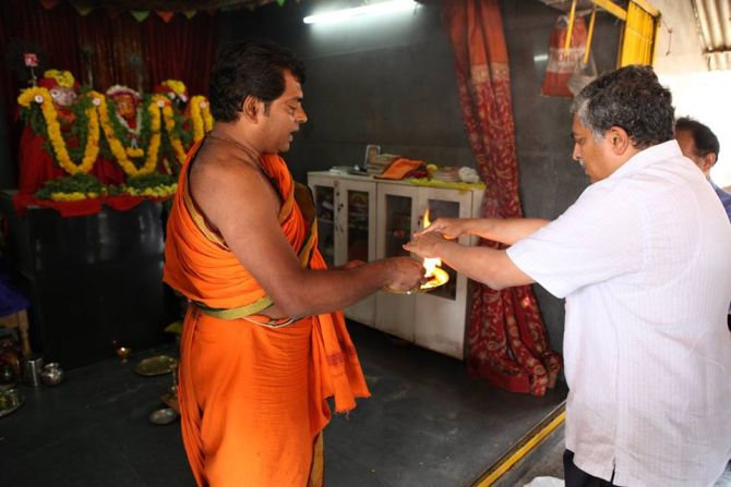 Nilekani seeks blessings at a temple in Bangalore South