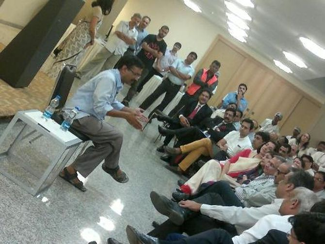 Kejriwal holding a private meeting with businessmen at Bajaj Bhavan