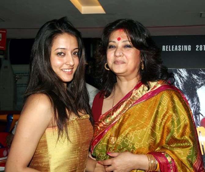 Moon Moon Sen (left) with her daughter Raima Sen