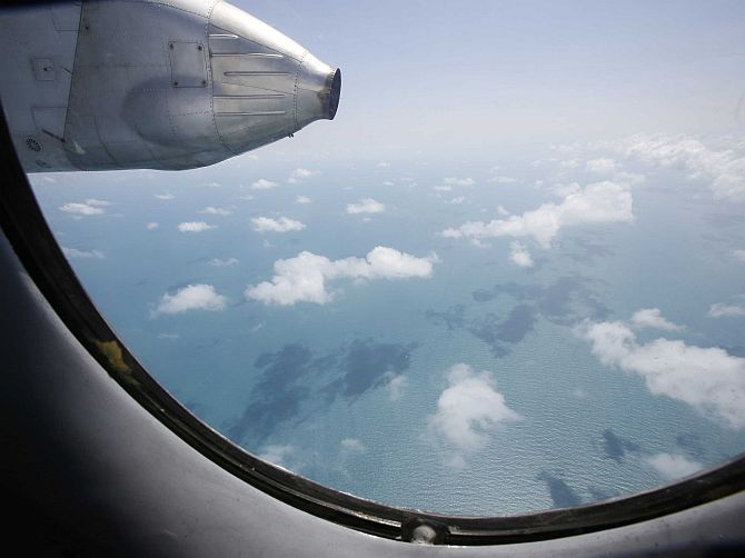 MH370 search: India sends 4 warships, 6 aircraft