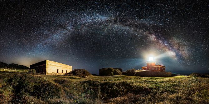 Winner 'Panoramic': 'Starry Lighthouse' by Ivan Pedretti, Italy