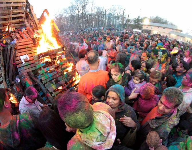 People celebrate Holi at New Jersey's Dwarkadhish Temple