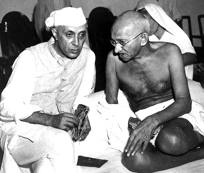 Mahatma Gandhi and Jawaharlal Nehru at the All-India Congress committee meeting in Bombay.