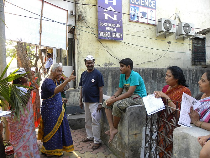 Medha Patkar campaigns door to door in Vikhroli.