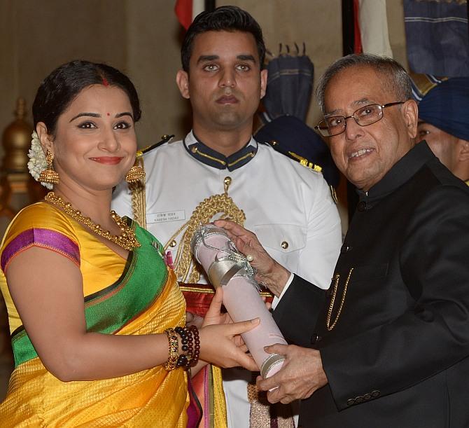 President Pranab Mukherjee presenting the Padma Shri to Vidya Balan
