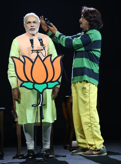 Senthil Kumar shoots Narendra Modi for the 3D hologram. Photograph courtesy: Senthil Kumar.