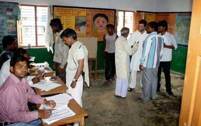 The Gandhi scion chatted with voters and ensured that they had no difficulty casting their ballot.