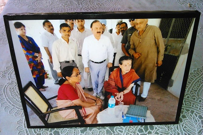 Meena Nathan with Sonia Gandhi at the Nathan home in Rae Bareli.