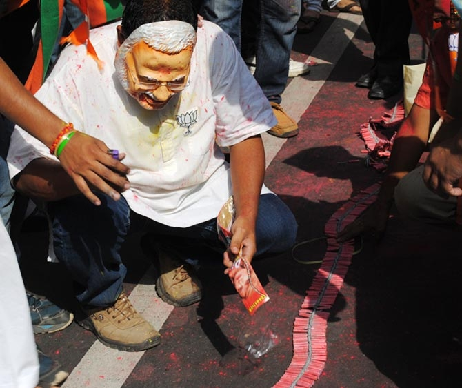 PHOTOS: BJP readies for victory lap in New Delhi, Cong sulks