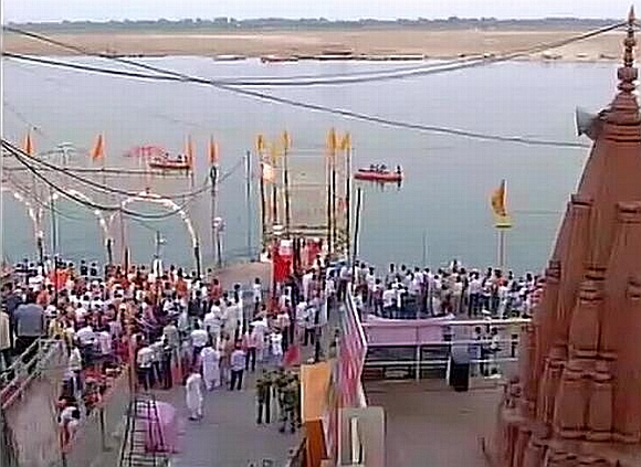 Finally, a Ganga 'aarti' for Modi in Varanasi