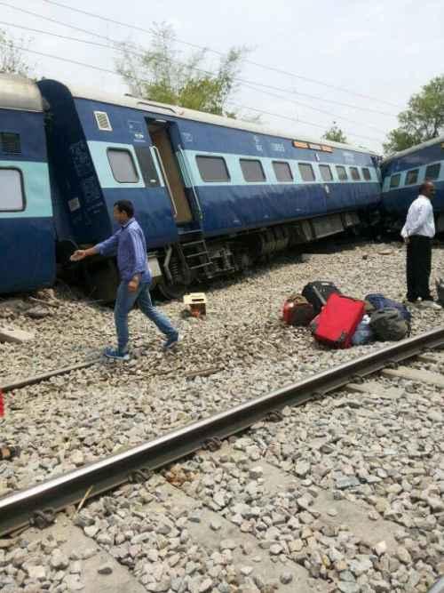 The derailed bogies of Gorakhdham Express