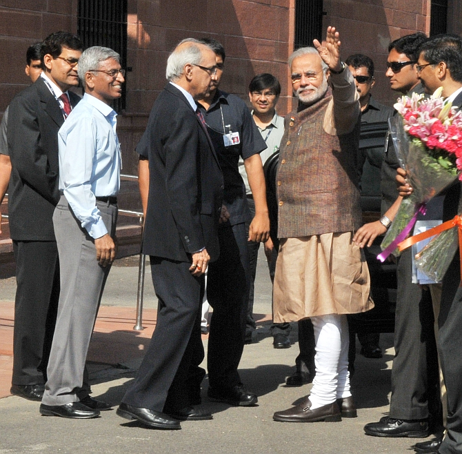 PM Narendra Modi arrives at the South Block