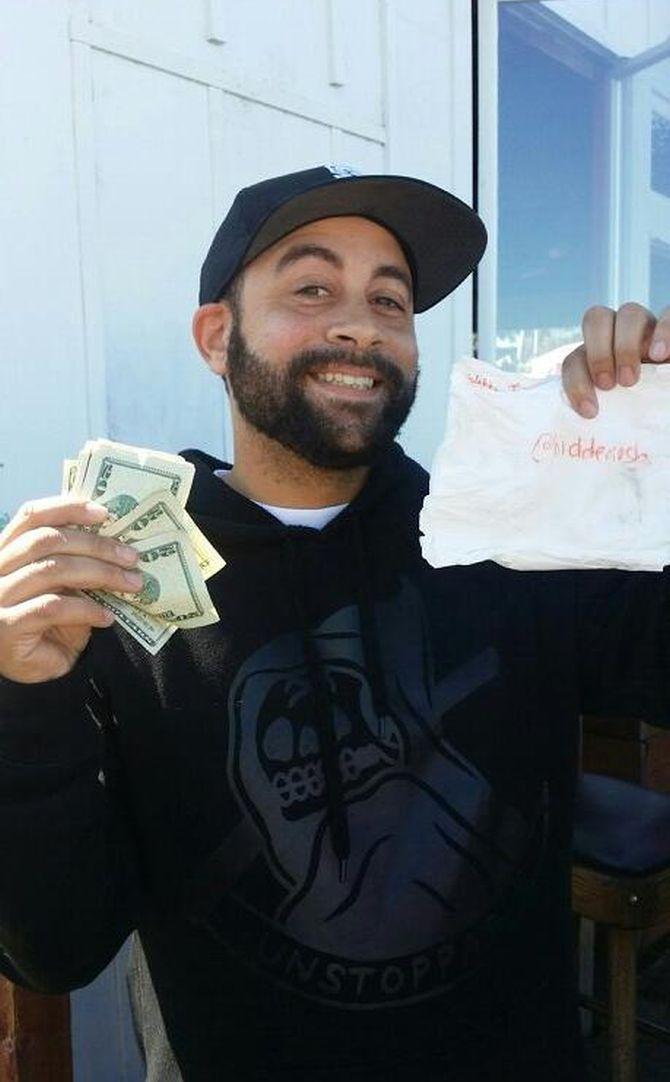 Millionaire hides cash, tweets clues from @HiddenCash