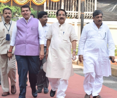 Devendra Fadnavis and other BJP leaders arrive for the trust vote