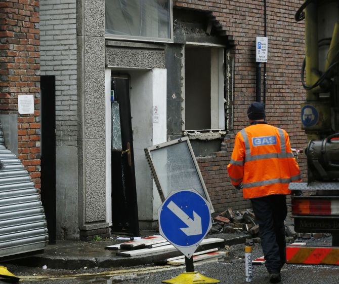 India News - Latest World & Political News - Current News Headlines in India - 14 injured in London 5-star hotel gas explosion
