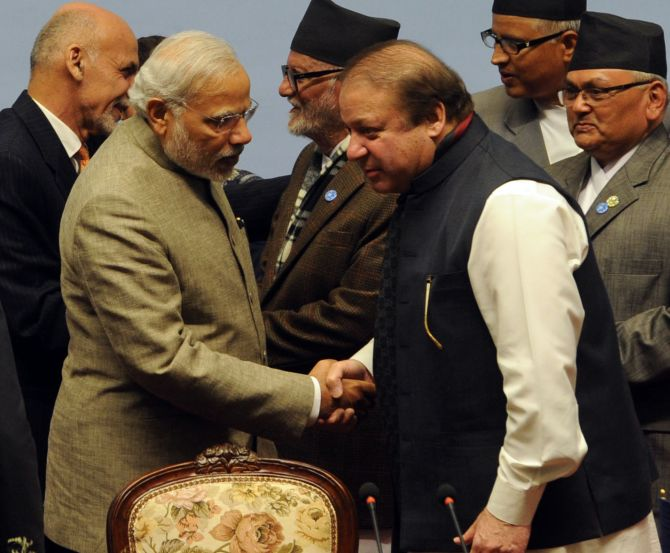 Narendra Modi and Nawaz Modi meet