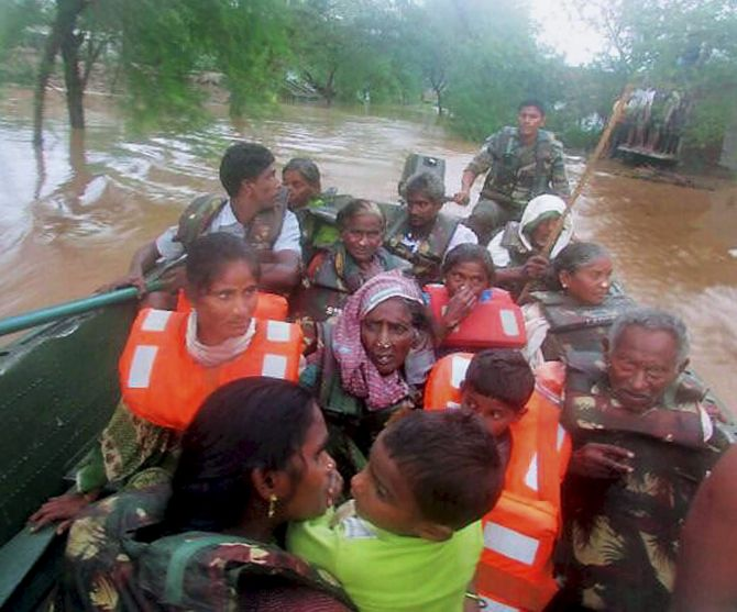 After cyclone Hudhud, Vizag faces epidemic fear - Rediff com