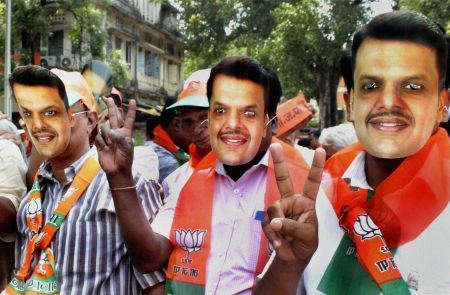 India News - Latest World & Political News - Current News Headlines in India - Fadnavis remains favourite even as CM candidates play political see-saw in Maharashtra